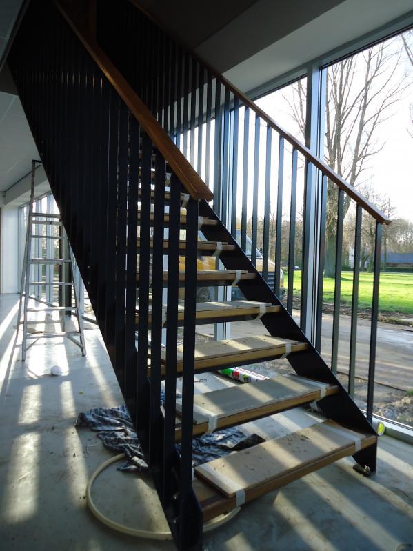 trappen staal met hout huisvestingsprobleem