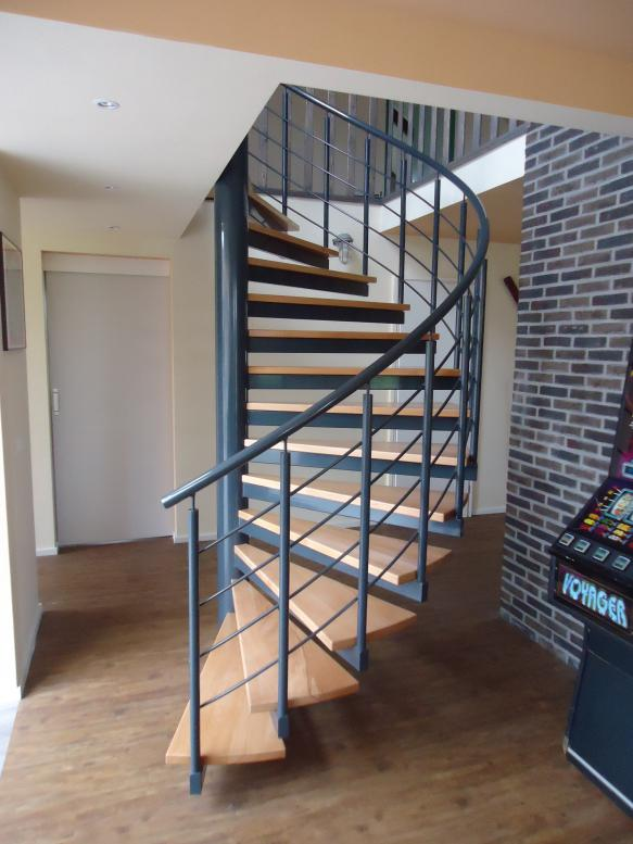 Efesto lasbedrijf trappen projecten biddinghuizen for Spiltrap hout